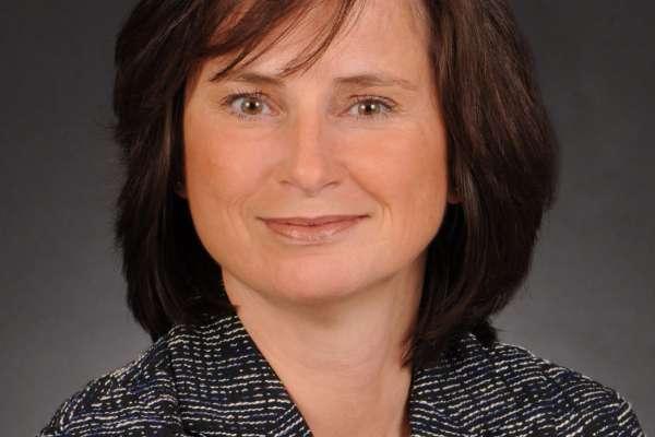 Dr Ilona Schmalfuss, Faculty