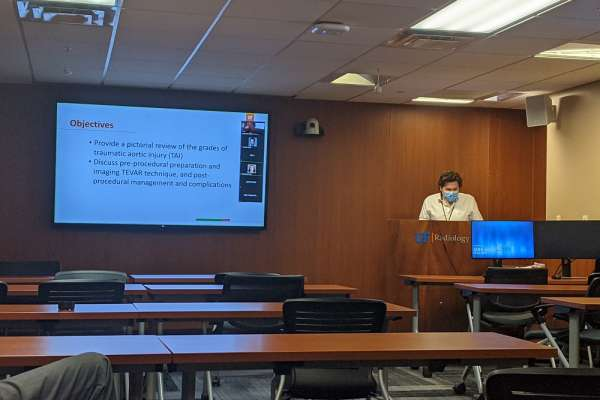 Resident Alexander Bode presents at research week
